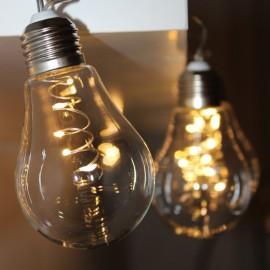 Dekorační LED světelný řetěz - čiré žárovky