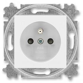 Zásuvka ABB LEVIT s clonkami bílá / ledová bílá 5519H-A02357 01